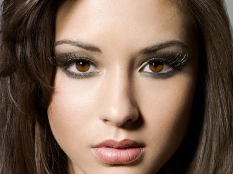 Макияж для карих глаз девушек