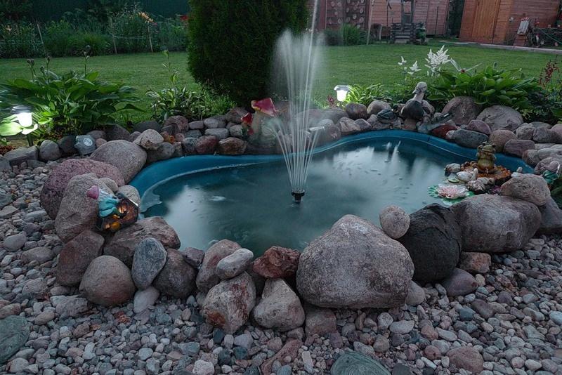 Как сделать пруд с фонтаном на даче пошагово