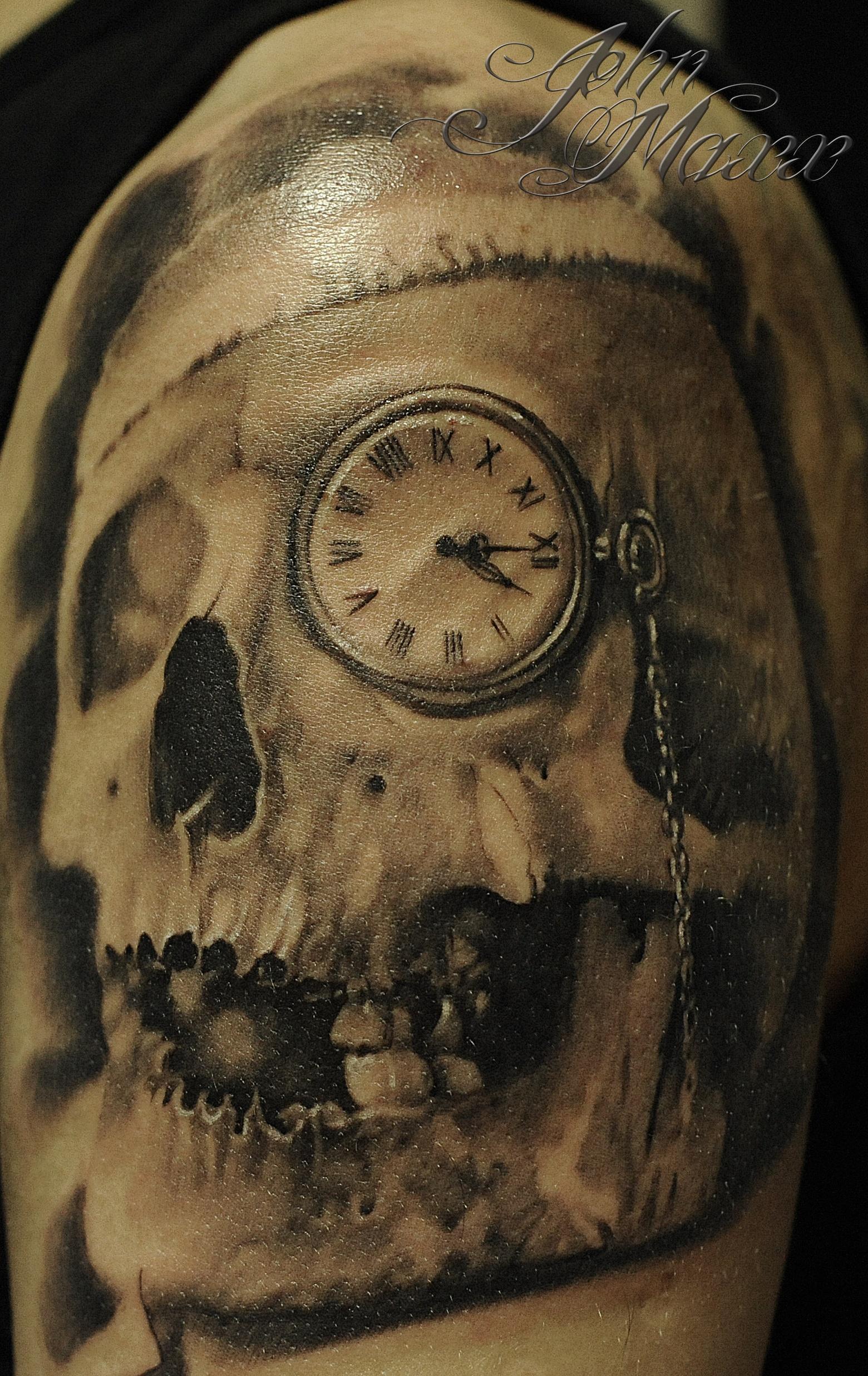 Фото тату часы с черепом
