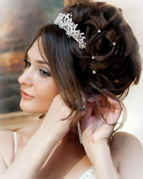 прически для невест видео