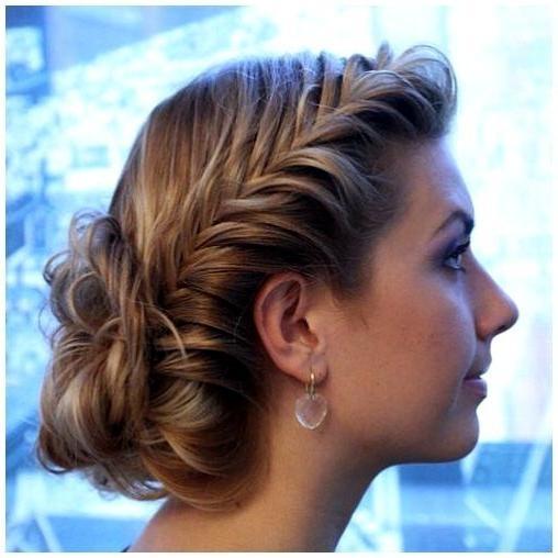 Прически для тонких волос с косами