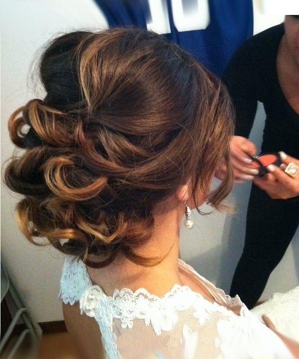 Прически для волос короткой длины на свадьбу