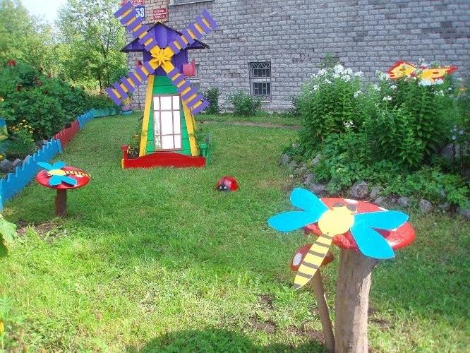 Детская площадка своими руками с подручных материалов