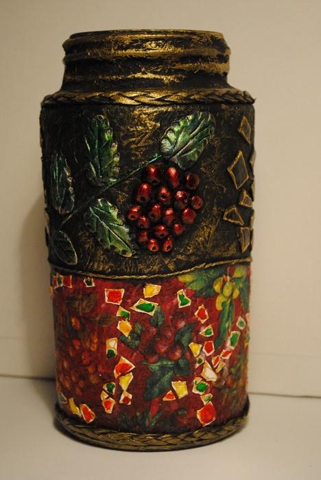 Напольная ваза из стеклянных банок