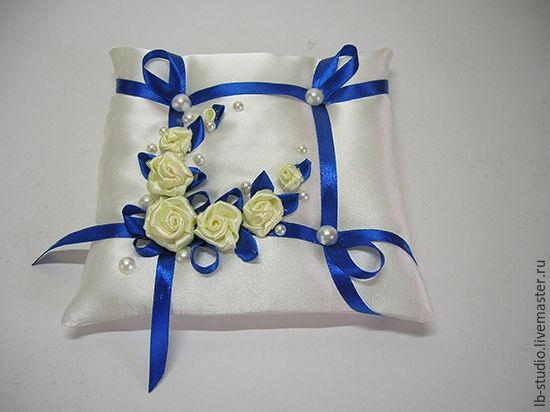 Из чего сделать подушечку для колец на свадьбу своими руками