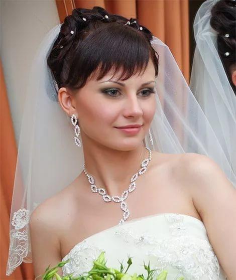свадебные прически с фатой фото скачать