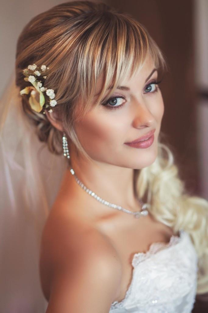 Фото прически с челкой невесты
