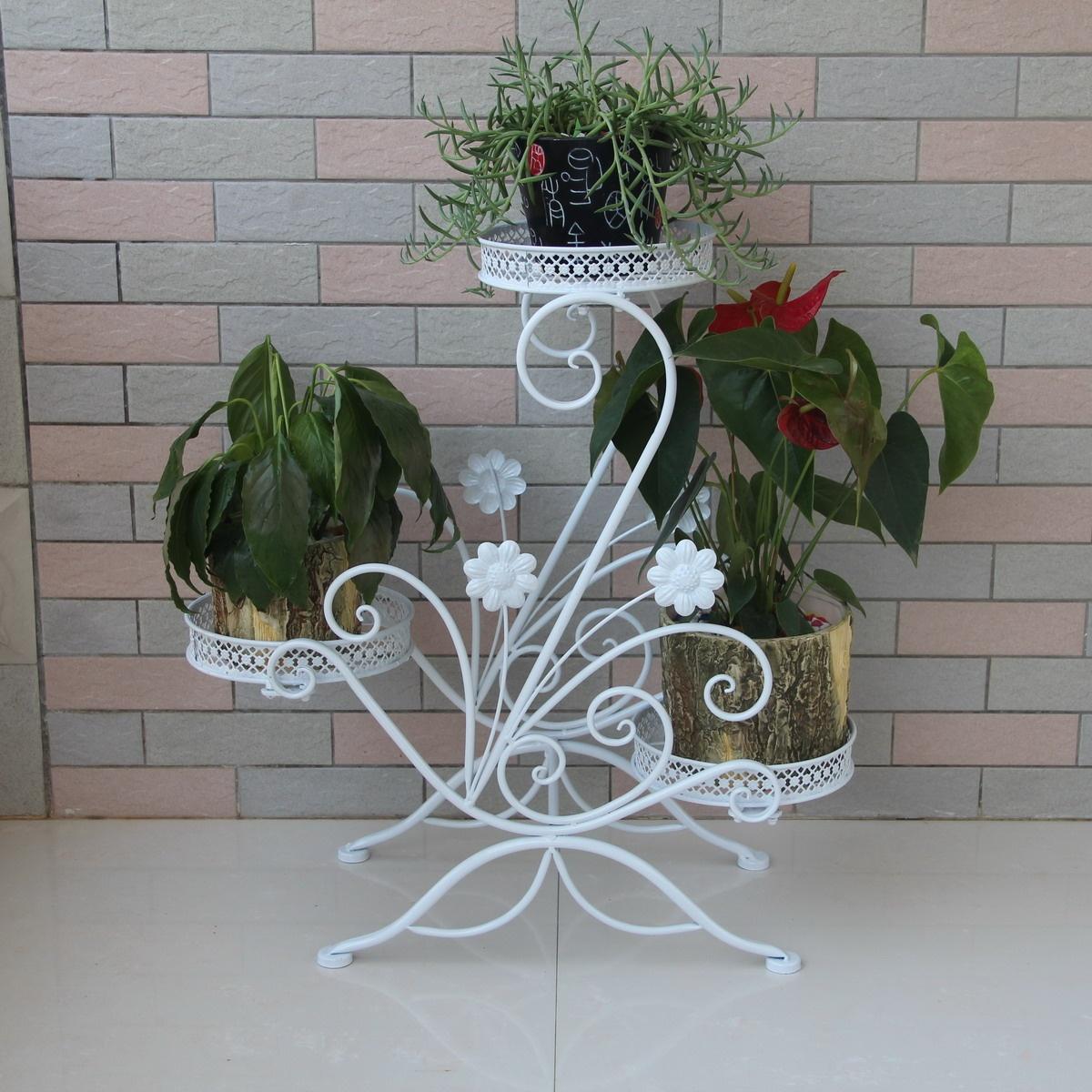 Фото металлических полок для цветов