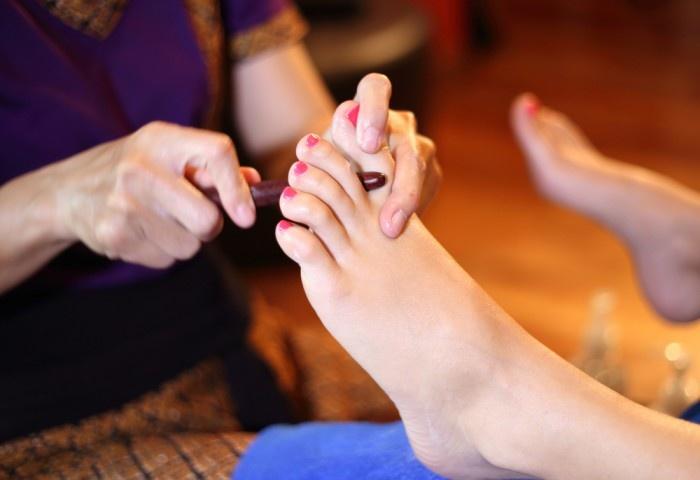 Массажем для пальцев ног