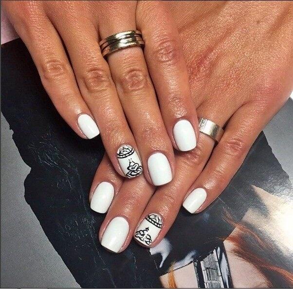 Дизайн ногтей в белых тонах