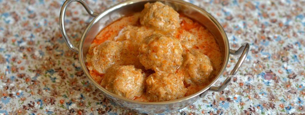 Тефтели с рисом в сметанном томатном соусе
