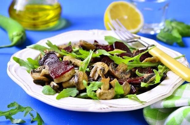 Салат с грибами и свеклой рецепт с