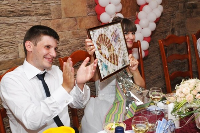 Необычное поздравление молодожёнам на свадьбу