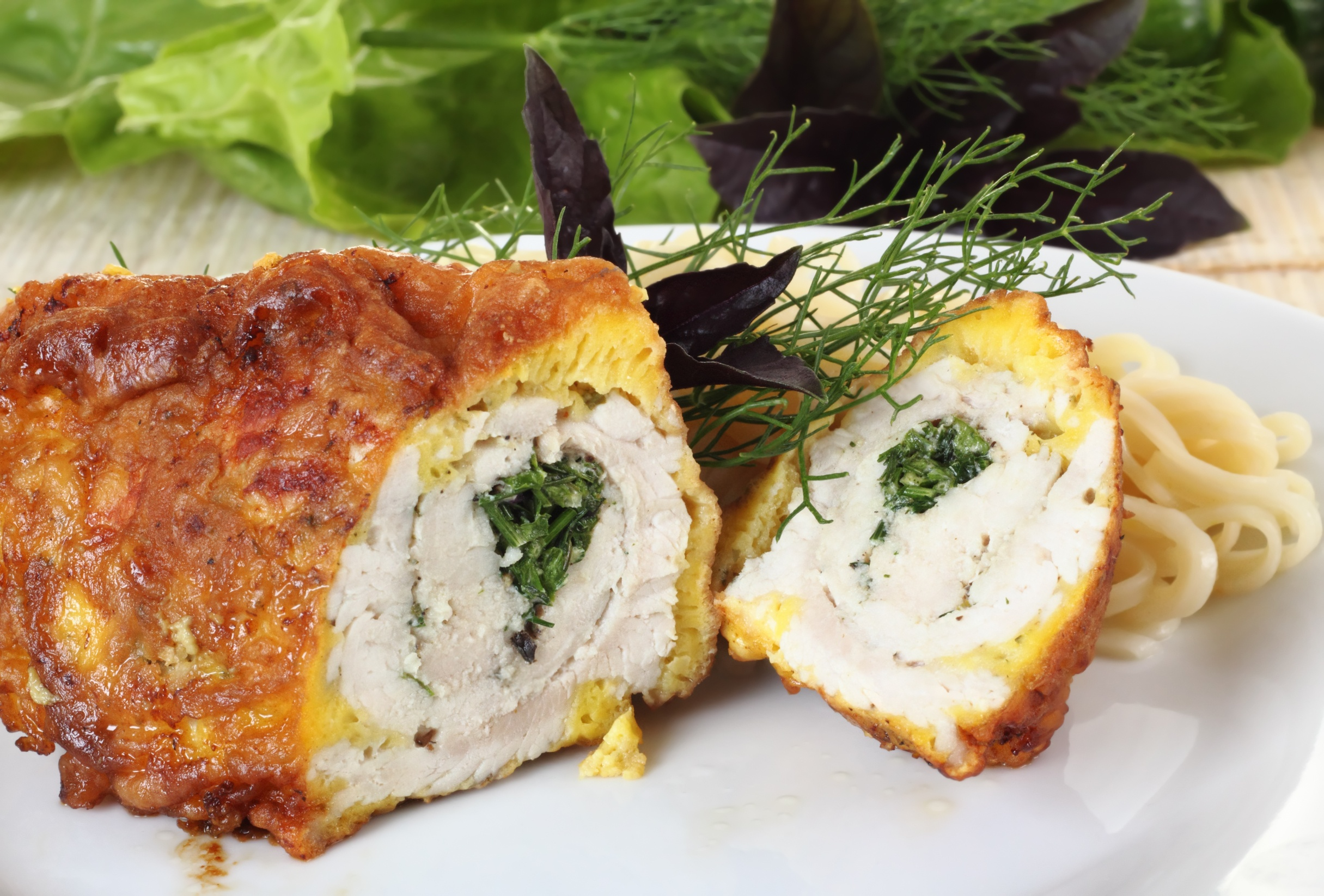 Рецепт рулетиков из куриного филе с грибами и сыром фото