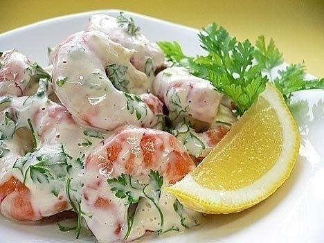 Приготовить салат из морепродуктов