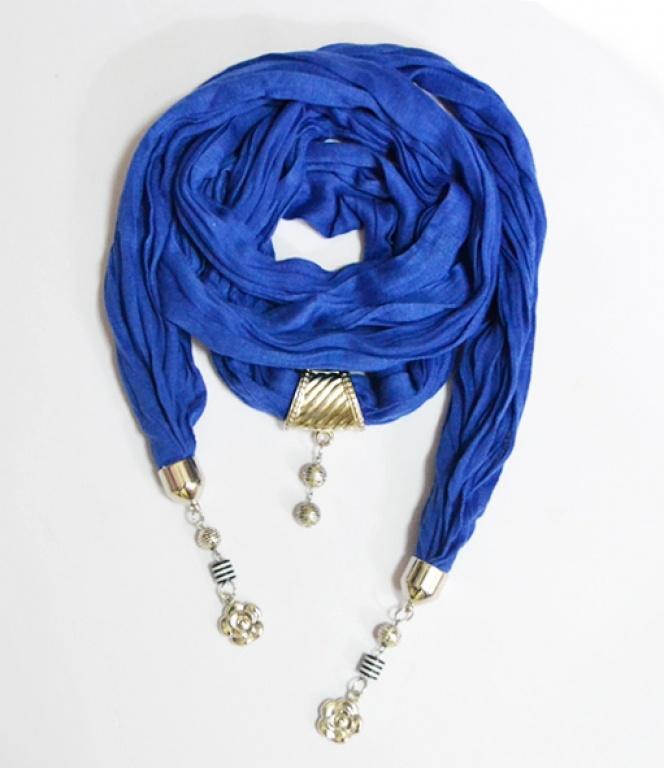 Платок к синему платью