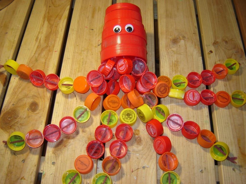 Поделки из пробок от пластиковых бутылок с детьми