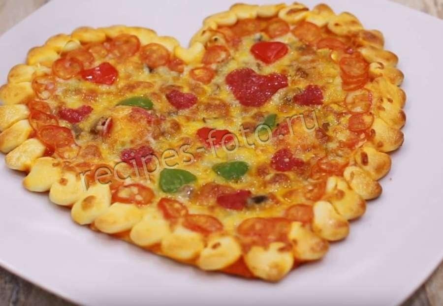Пицца из слоеного готового теста рецепт с фото пошагово