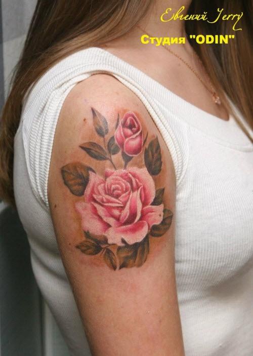 Фото тату роза на плече девушки