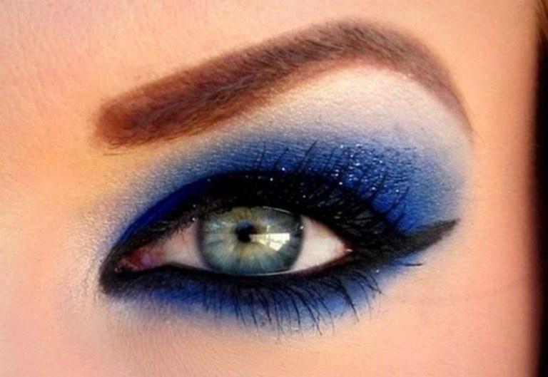 Макияж с коричнево-голубыми тенями