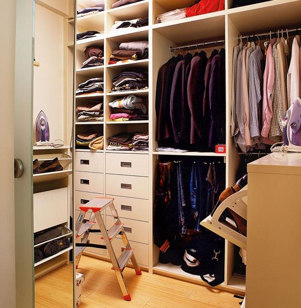 Дизайн гардеробной из маленькой кладовки