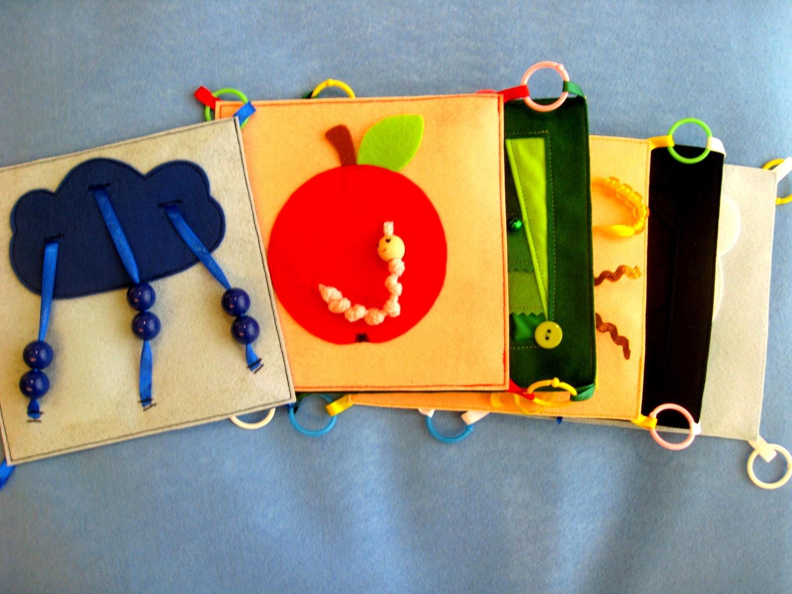Книжки своими руками для детей до года
