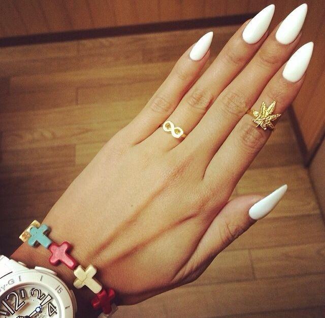 Ногти нарощенные белые
