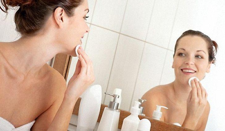 Как сделать правильно чистку лица в домашних условиях