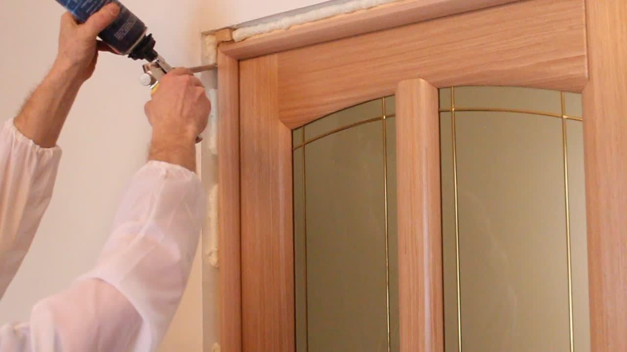 Установка дверей в квартире своими руками видео