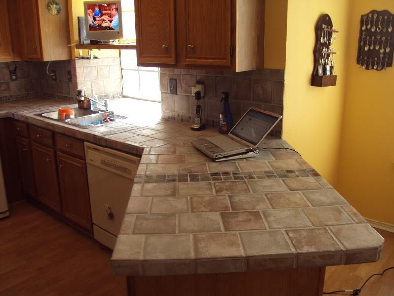 Отделка кухонного стола плиткой