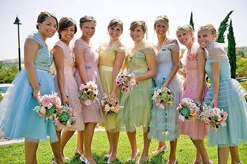 прически для похода на свадьбу в качестве гостя фото