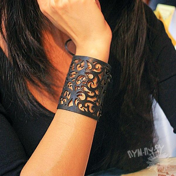 Женский кожаный браслет на руку своими руками из
