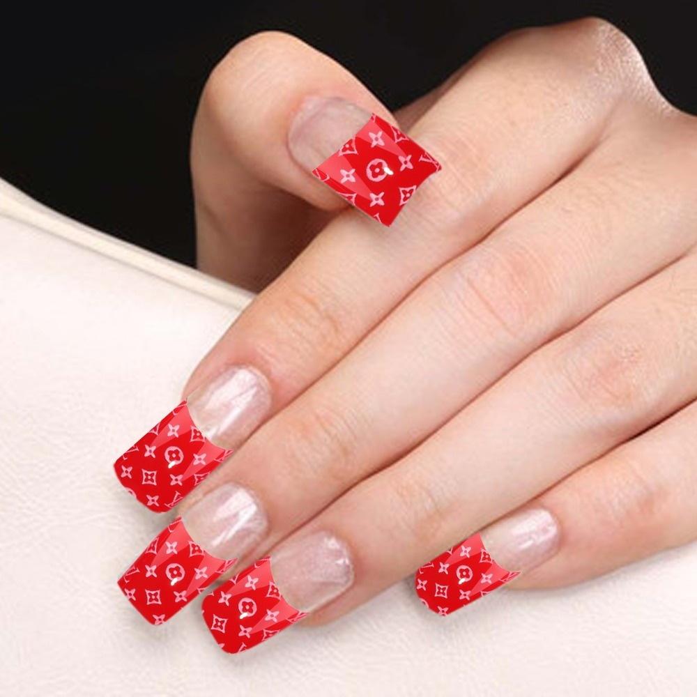 Красный френч на квадратных ногтях