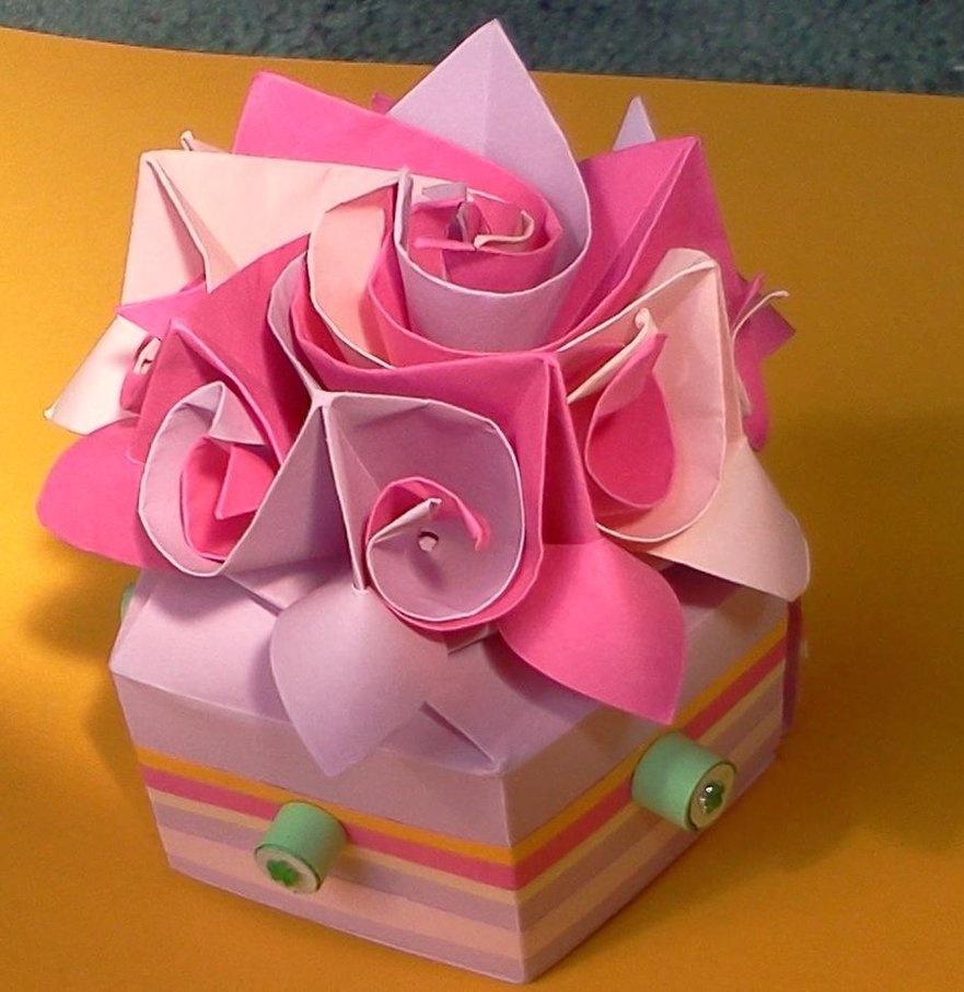 Подарок на день рождение из бумаги