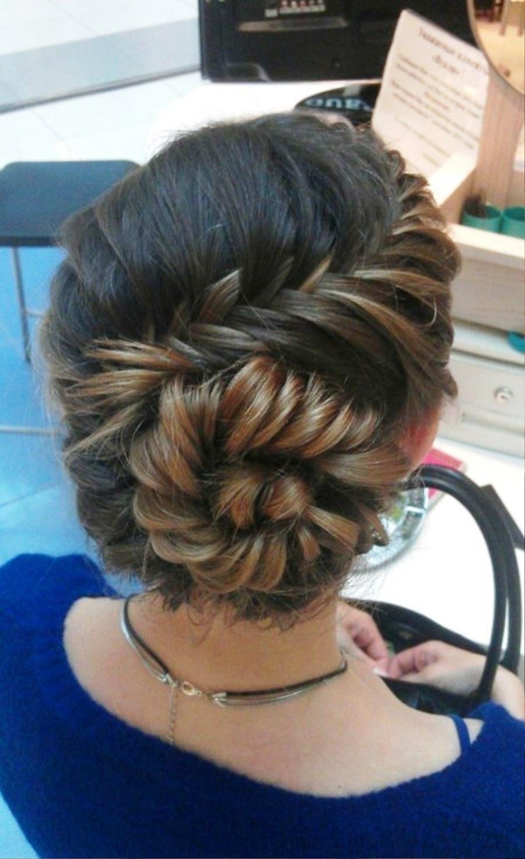 Вечерние причёски с плетением на длинные волосы