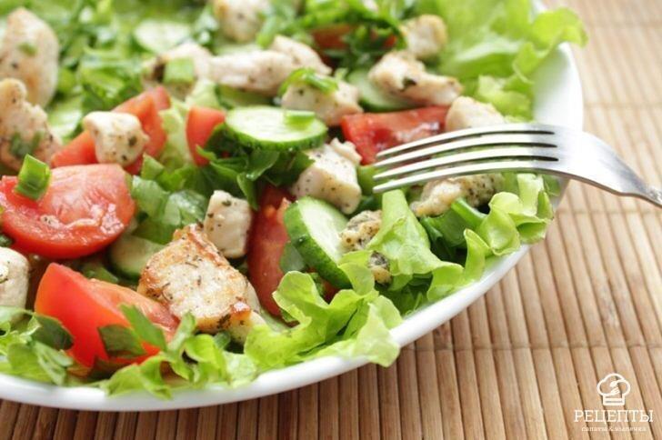 Весенний салат с курицей