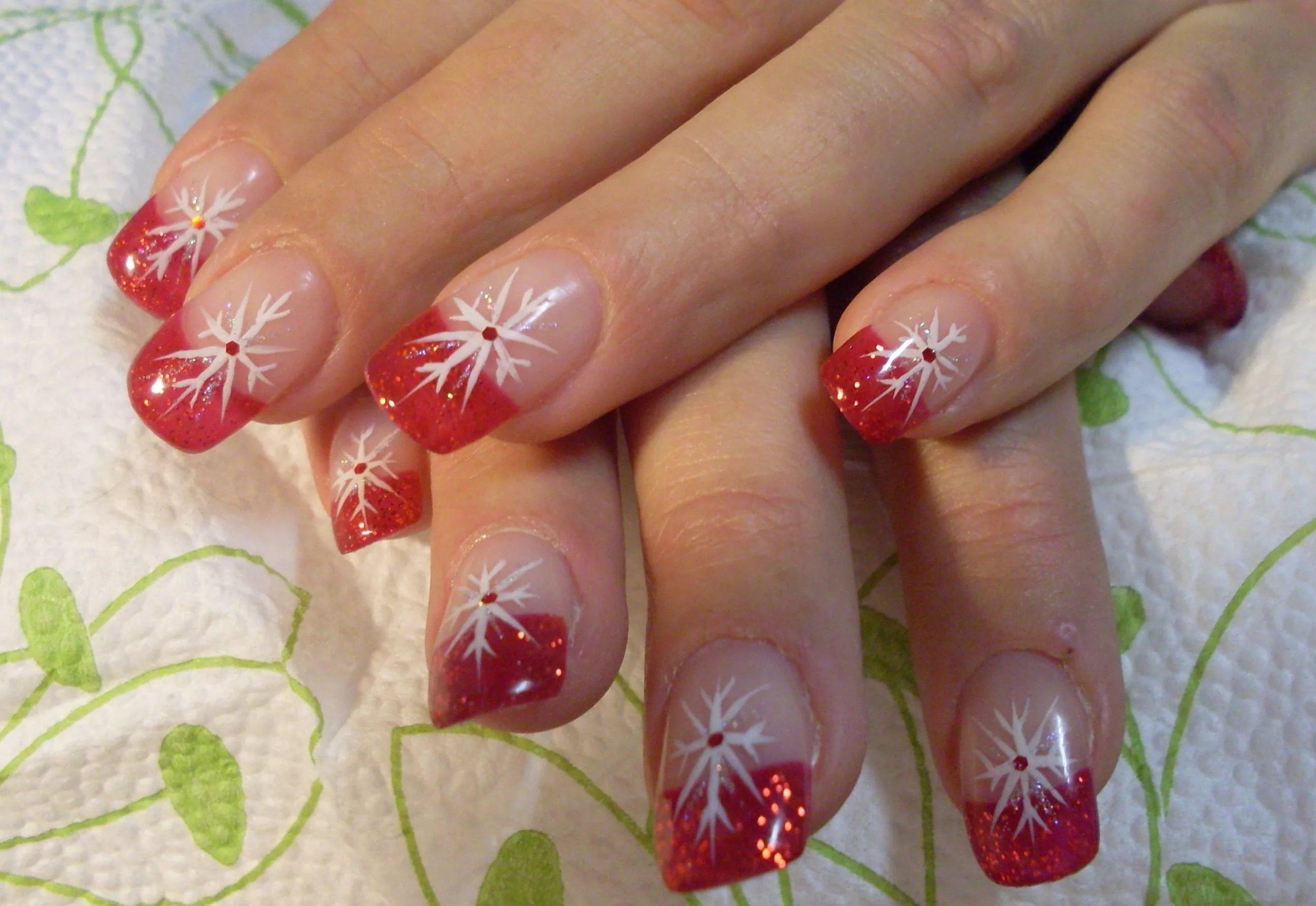 Дизайн ногтей френч с рисунком новогодний