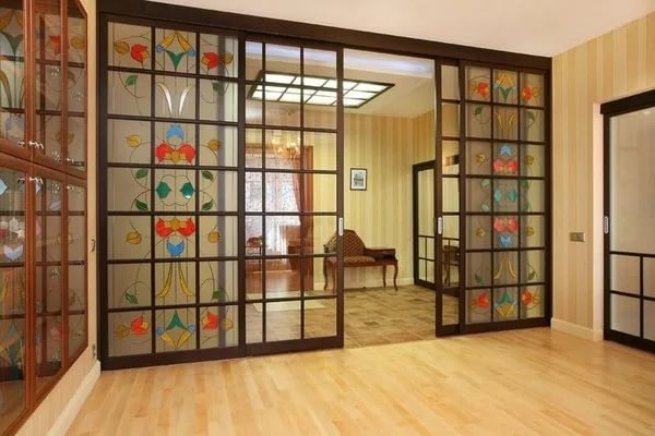 Межкомнатные перегородки с дверью