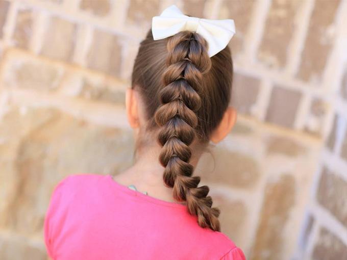 Простое плетение косы на длинные волосы