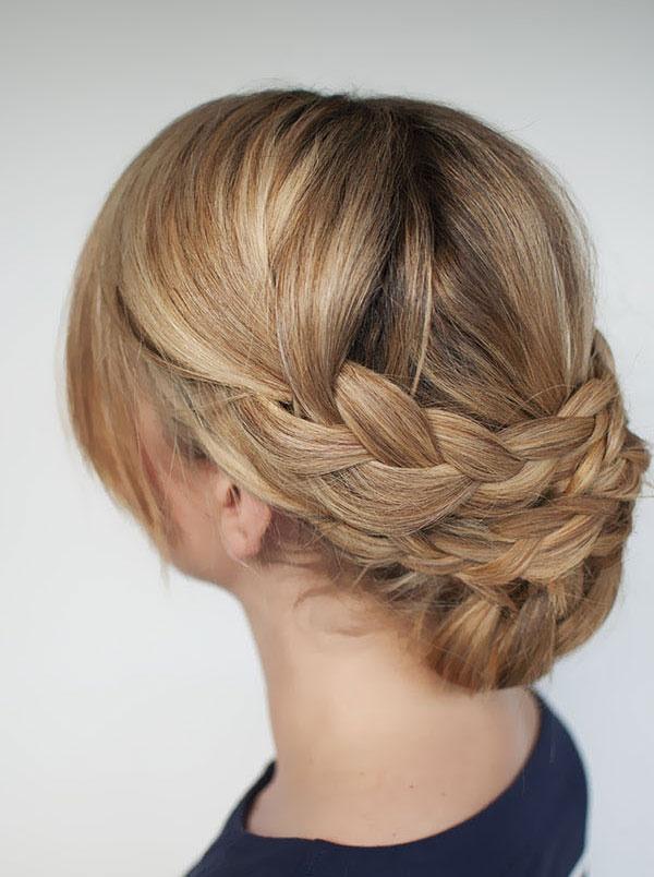 Праздничные прически с косой на средние волосы