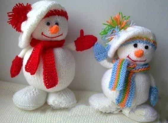 Снеговики своими руками вязанные