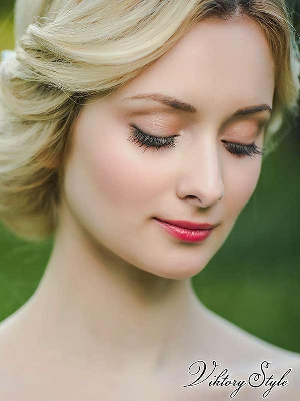 Светлый свадебный макияж глаз