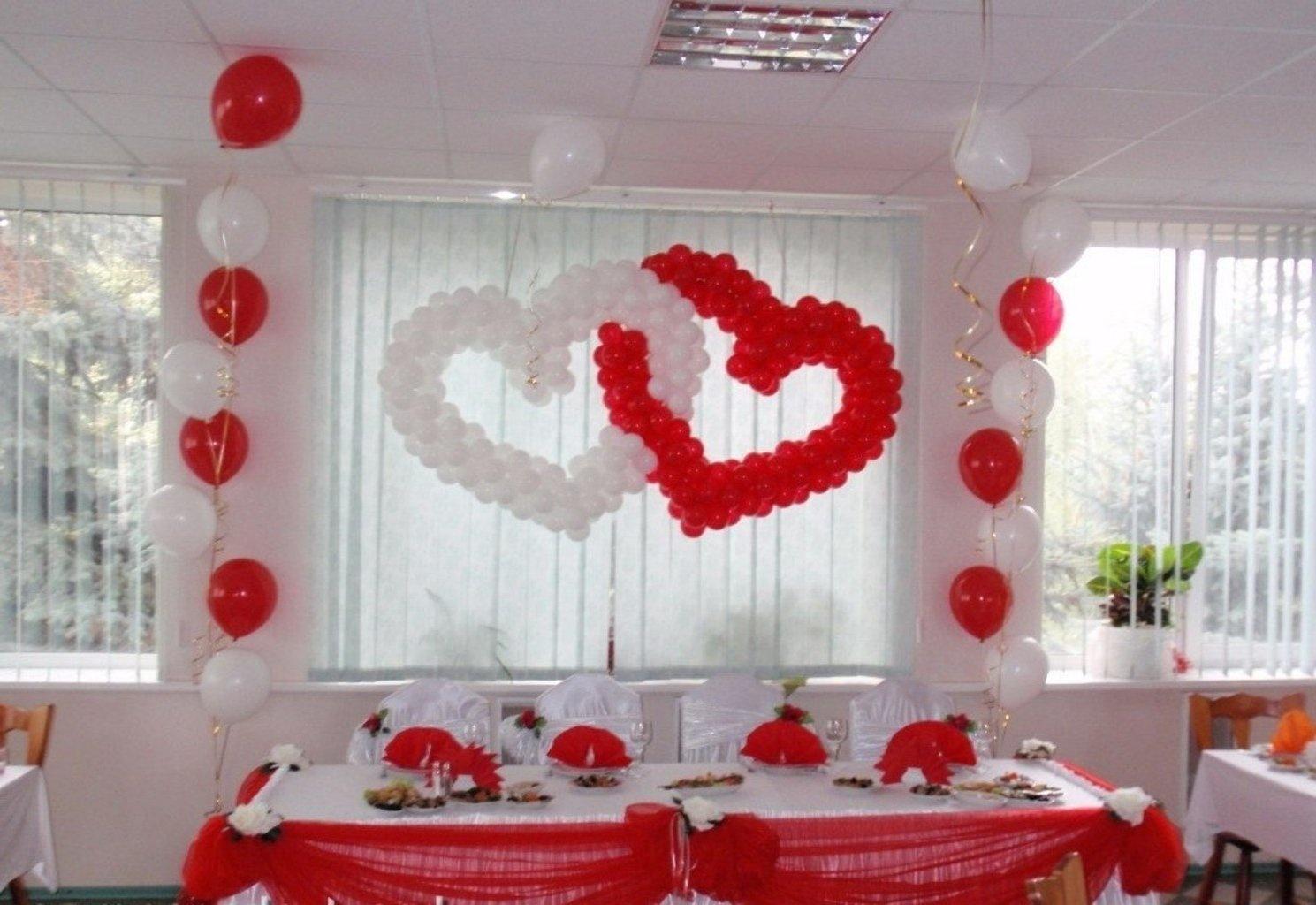 Как украсить зал своими руками для свадьбы