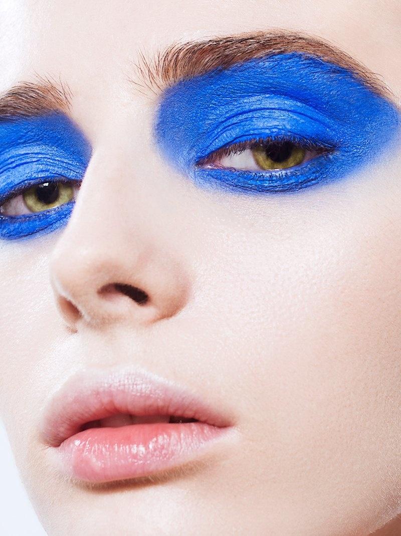Макияж под синее платье для голубых глаз пошаговое