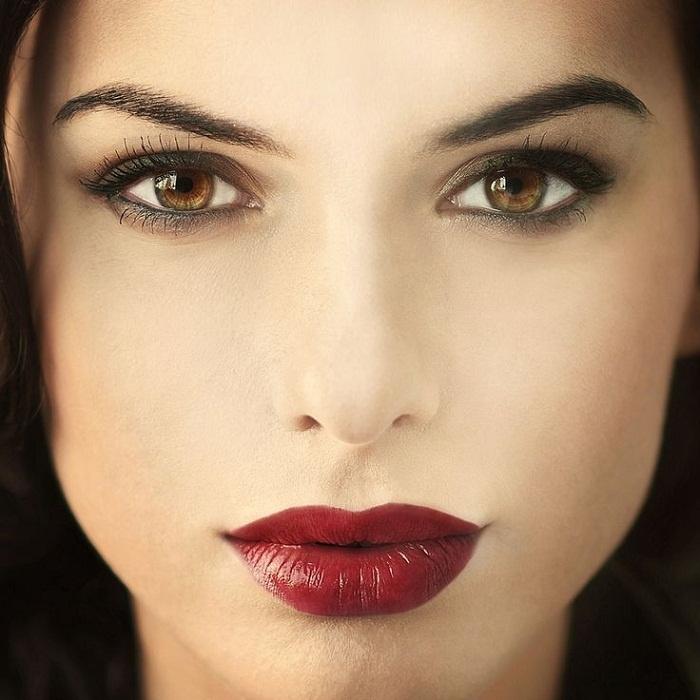 Фото макияжа для карих глаз и темной кожи