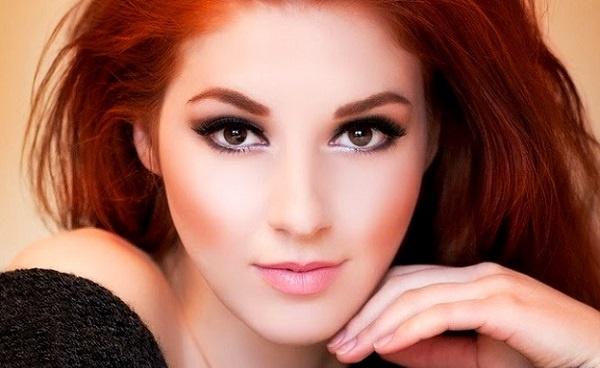 Макияж для светлых глаз и рыжих волос