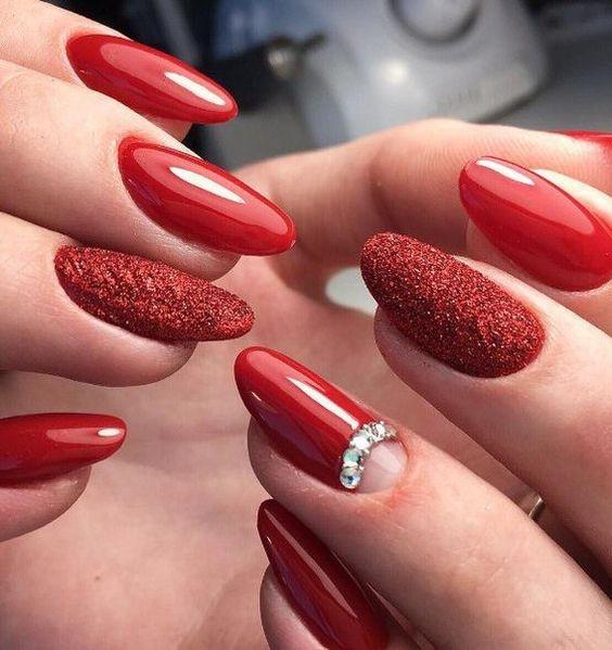 Лунный маникюр 2017 модные тенденции красный