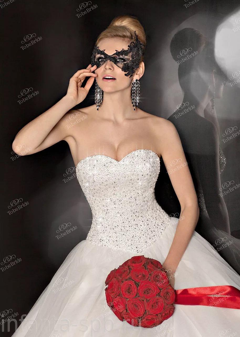 Свадебные платья с корсетом из камней