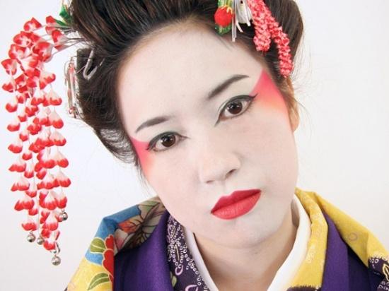 Японский макияж для европейки