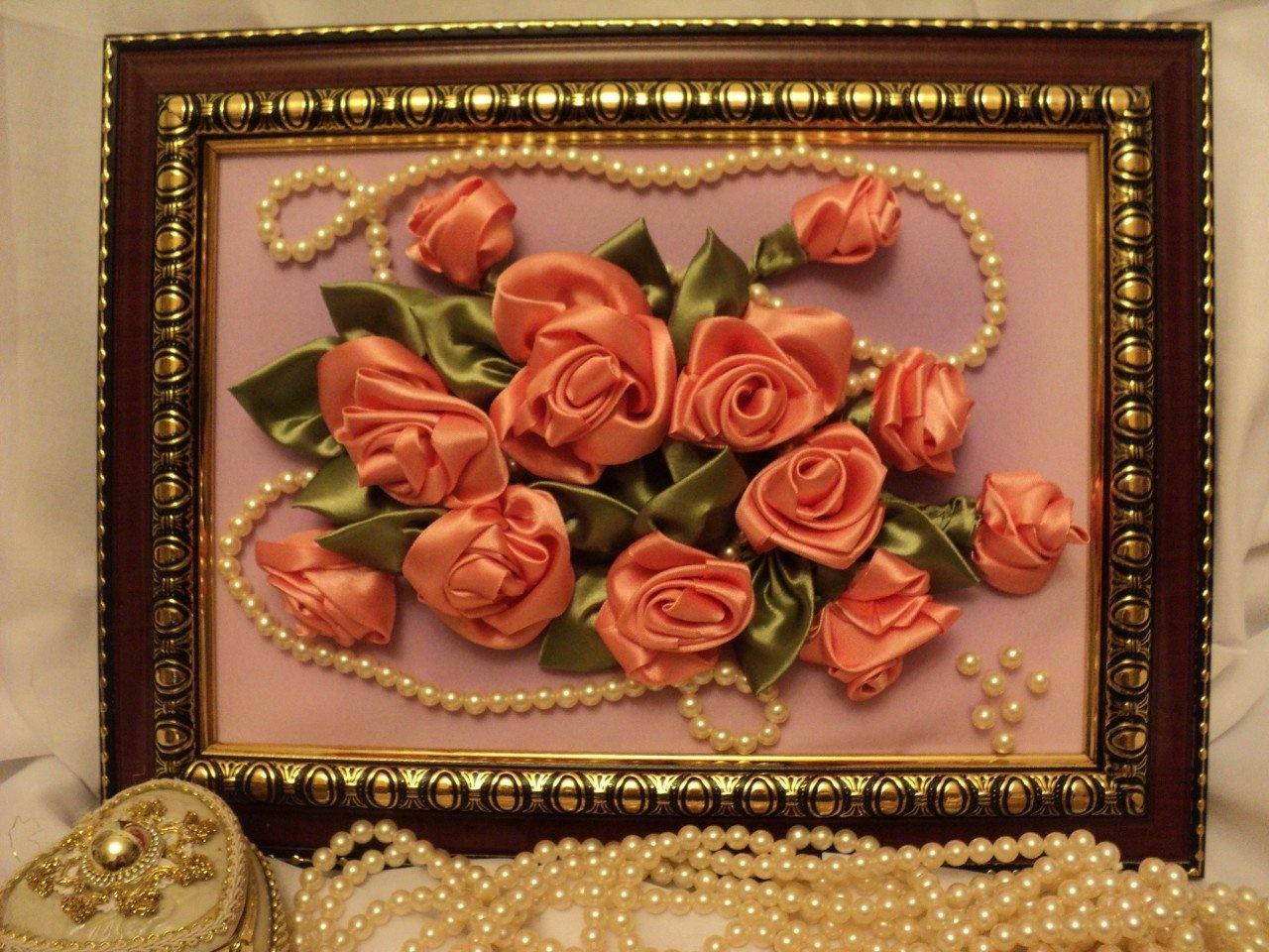 Фото картин из атласных цветов